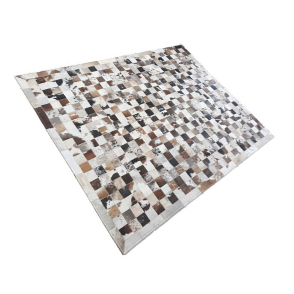 Tapete de Couro de Boi 2m X 1,5m Natural Costurado Placas 7cm x 7cm Com Borda - OF10