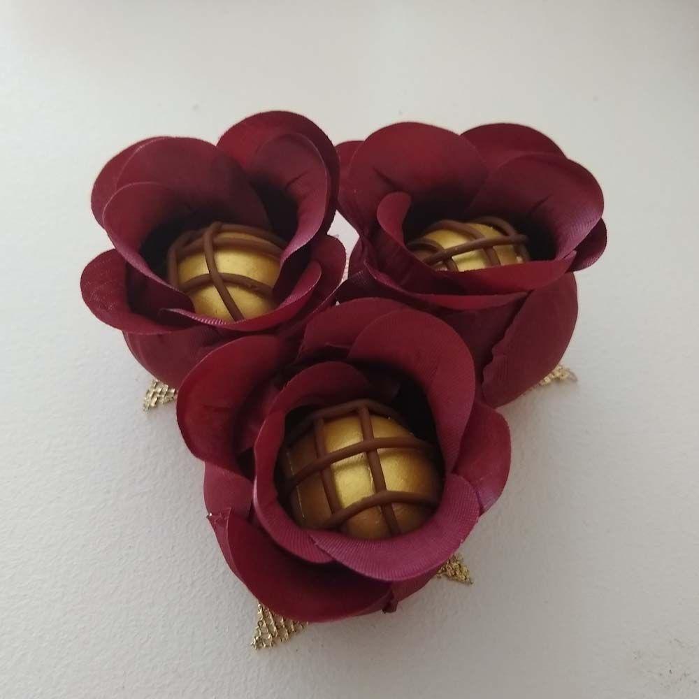 Forminhas de Flor para Doces Finos Modelo Rosa Botão em Tecido 50 Unidades