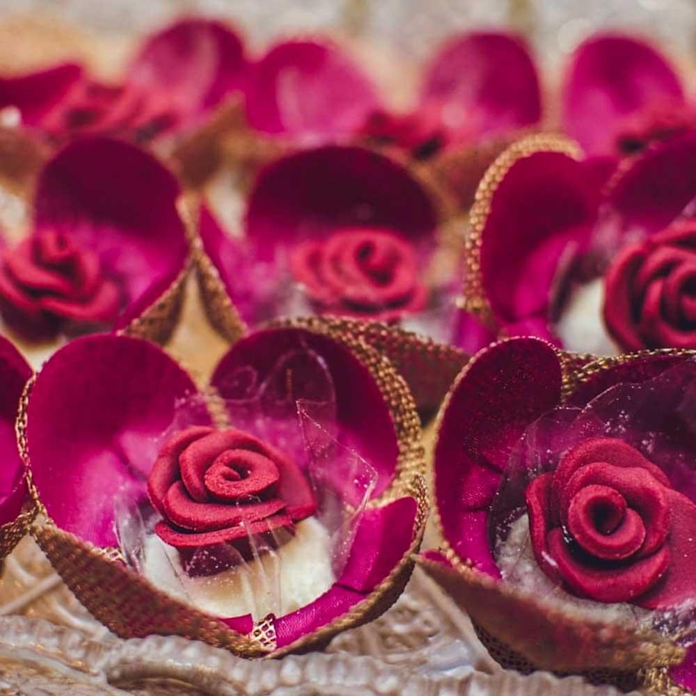 Forminhas para Doces Finos Tulipa em Tela Escócia e Tecido 25 Unidades