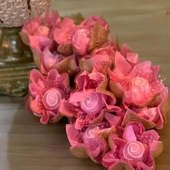 Forminhas para Doces Flor de Lotus Em Tela Escócia e Tecido Kit 25 Unidades