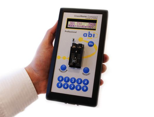 LinearMaster Professional - Testador de Componentes Analógicos out-of-circuit