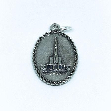 Medalha de Nossa Senhora de Fátima e Basílica de Fátima