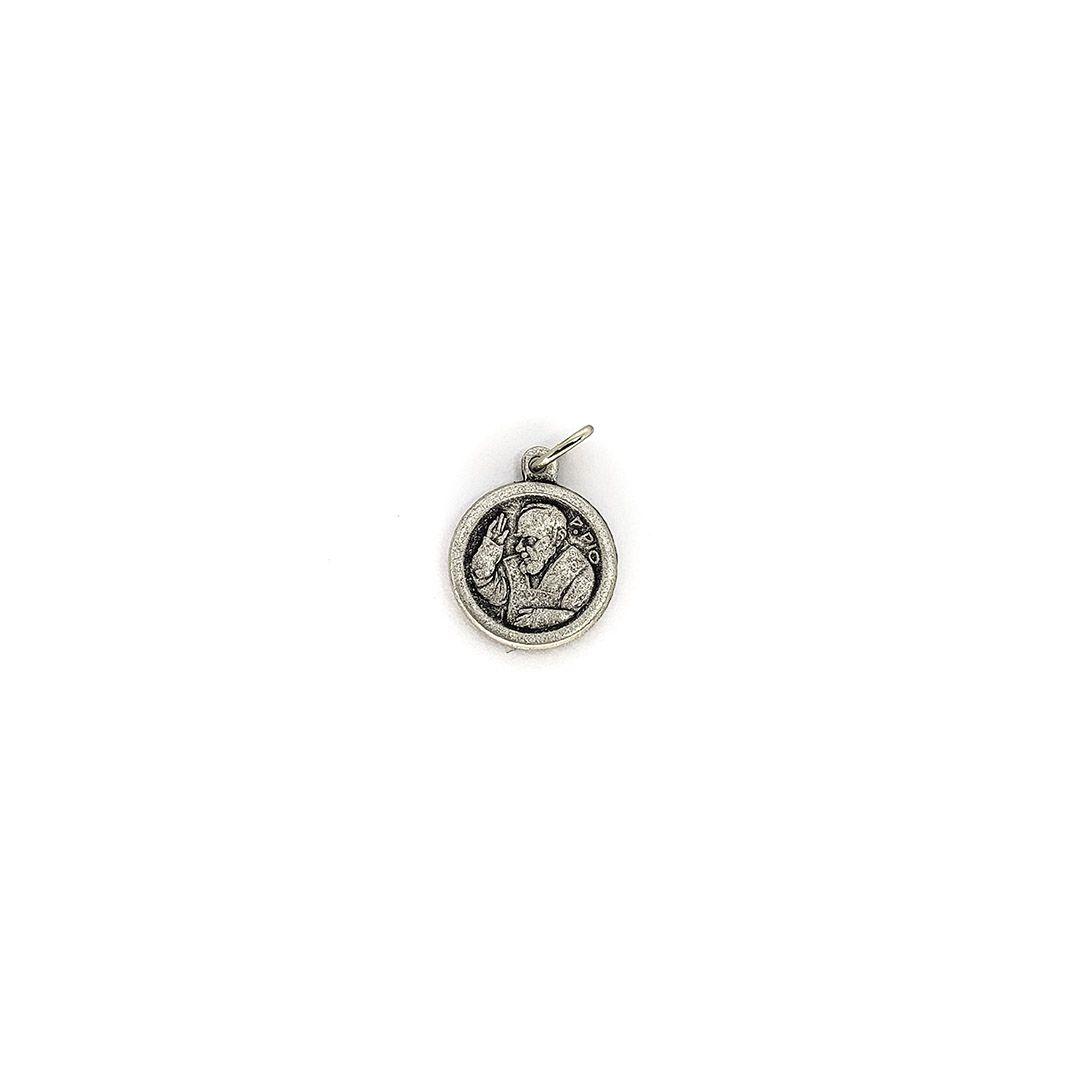 Medalha de São Padre Pio (acompanha relíquia de 3º grau de brinde)