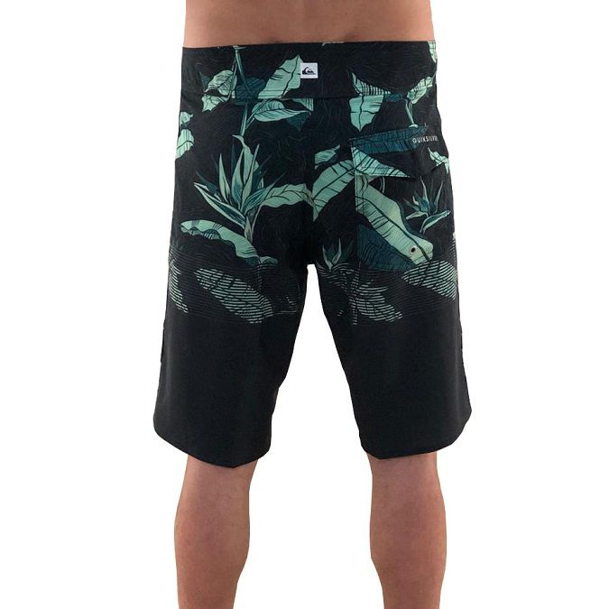 Bermuda Boardshort Quiksilver Highline Underwarm 20