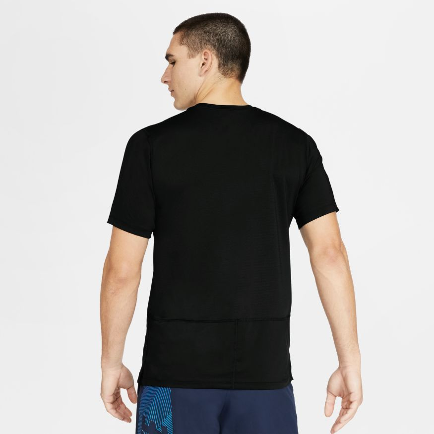 Camiseta Nike Graphic Training Top
