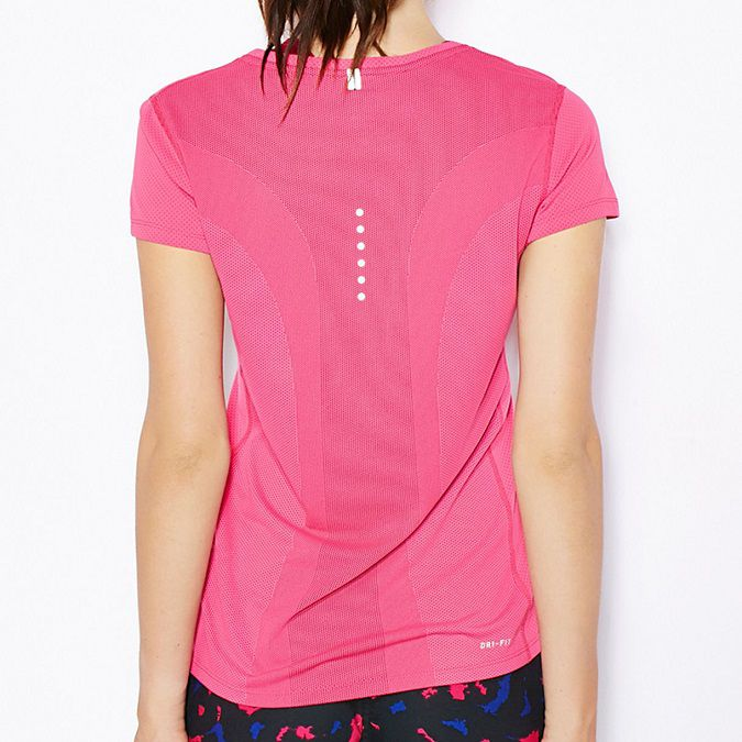 Camiseta Nike M/C Dri Fit Contour Feminina