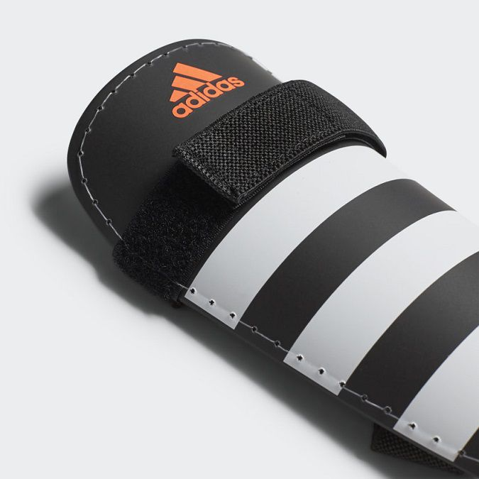 Caneleira Adidas Everlite