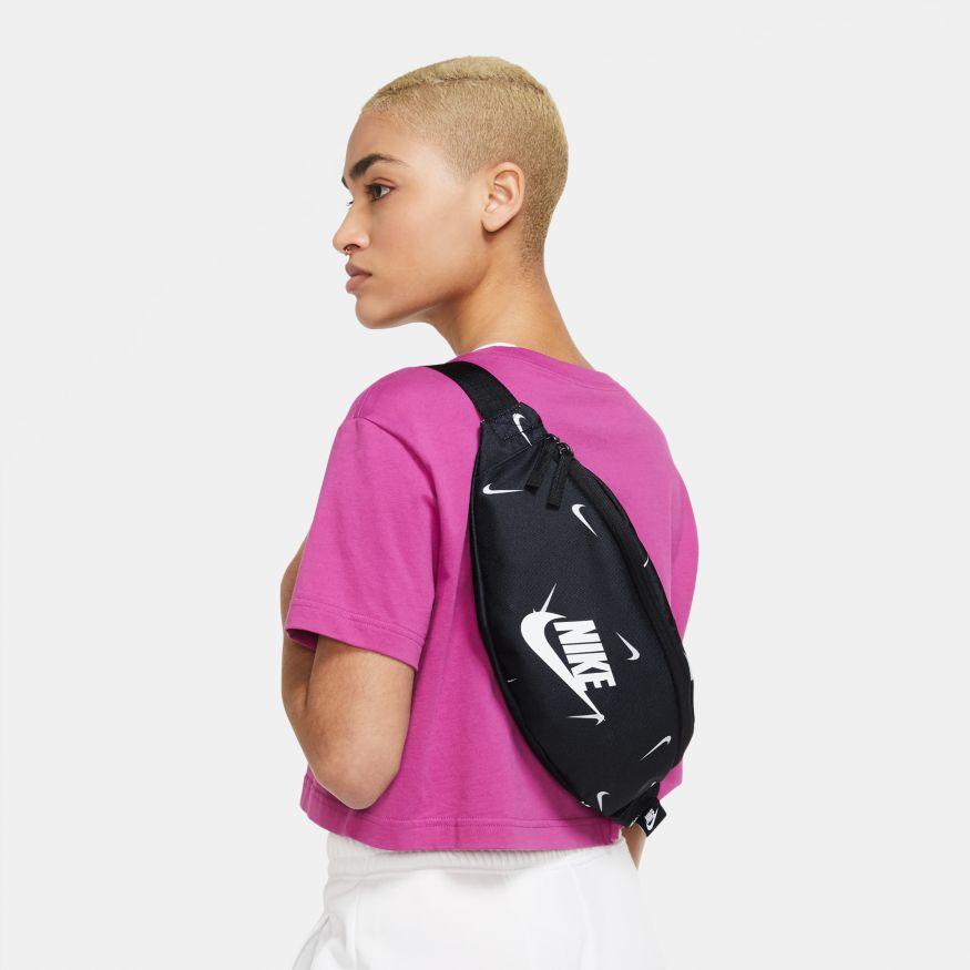 Pochete Nike Heritage Hip Pack Estampada