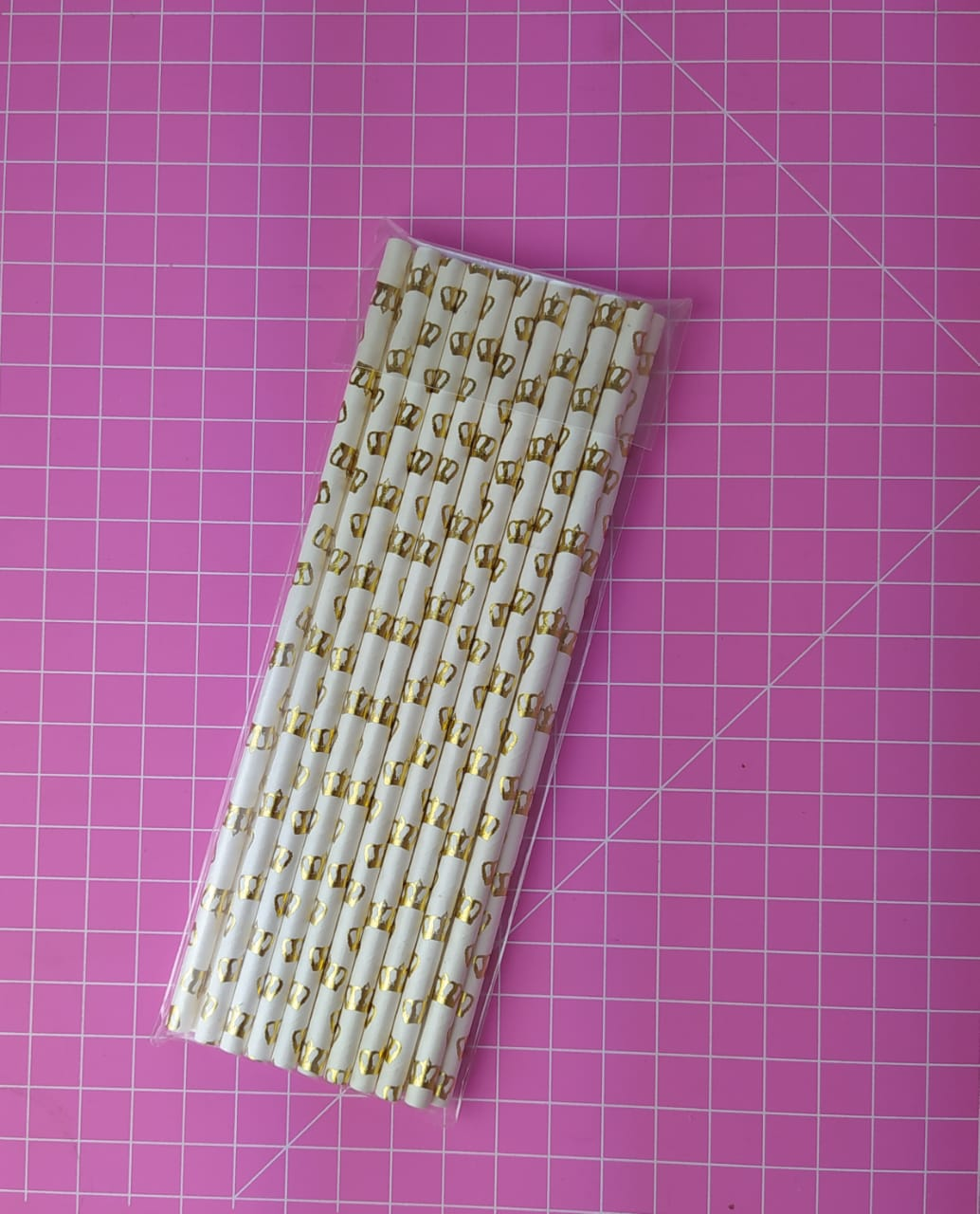 Canudo de papel coroa grande dourada c/ 20 unidades