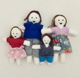 Família de pano com 4 integrantes