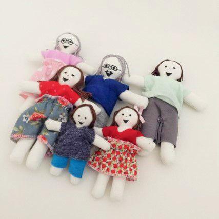 Família de pano com 6 integrantes