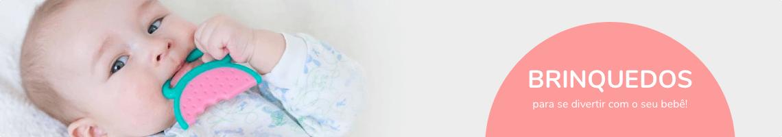 bonecas de pano e mordedores para bebês