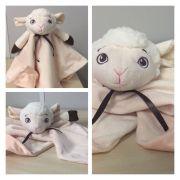 Naninha em plush ovelha sonho de luz