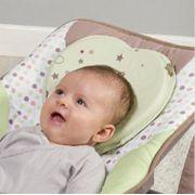 Travesseiro do bebê em formato de coração verde