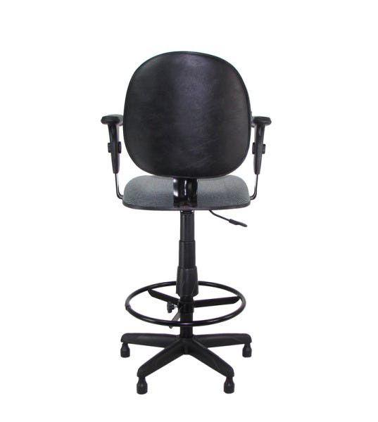 Cadeira Caixa Tradicional Executiva com Braço - Lâmina Reforçada no Encosto