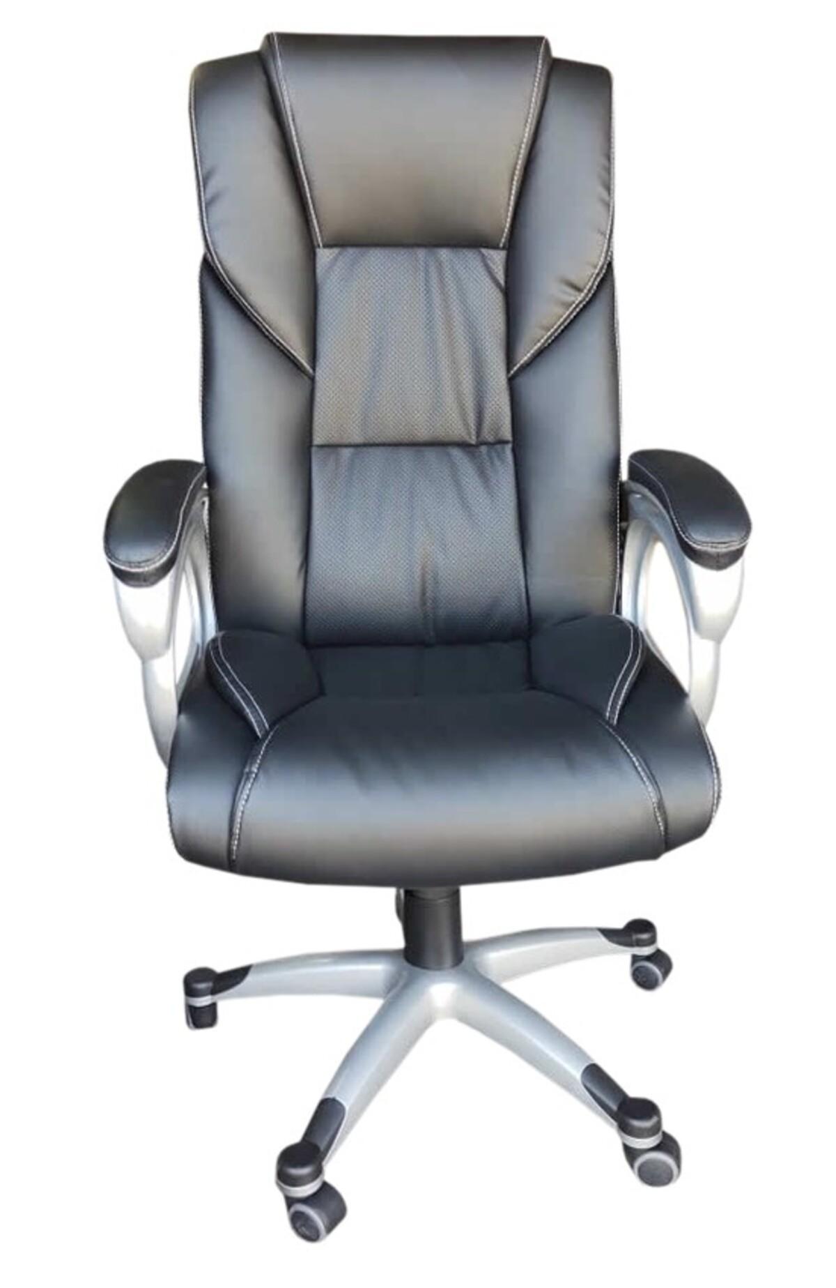 Cadeira Presidente Milão Preta