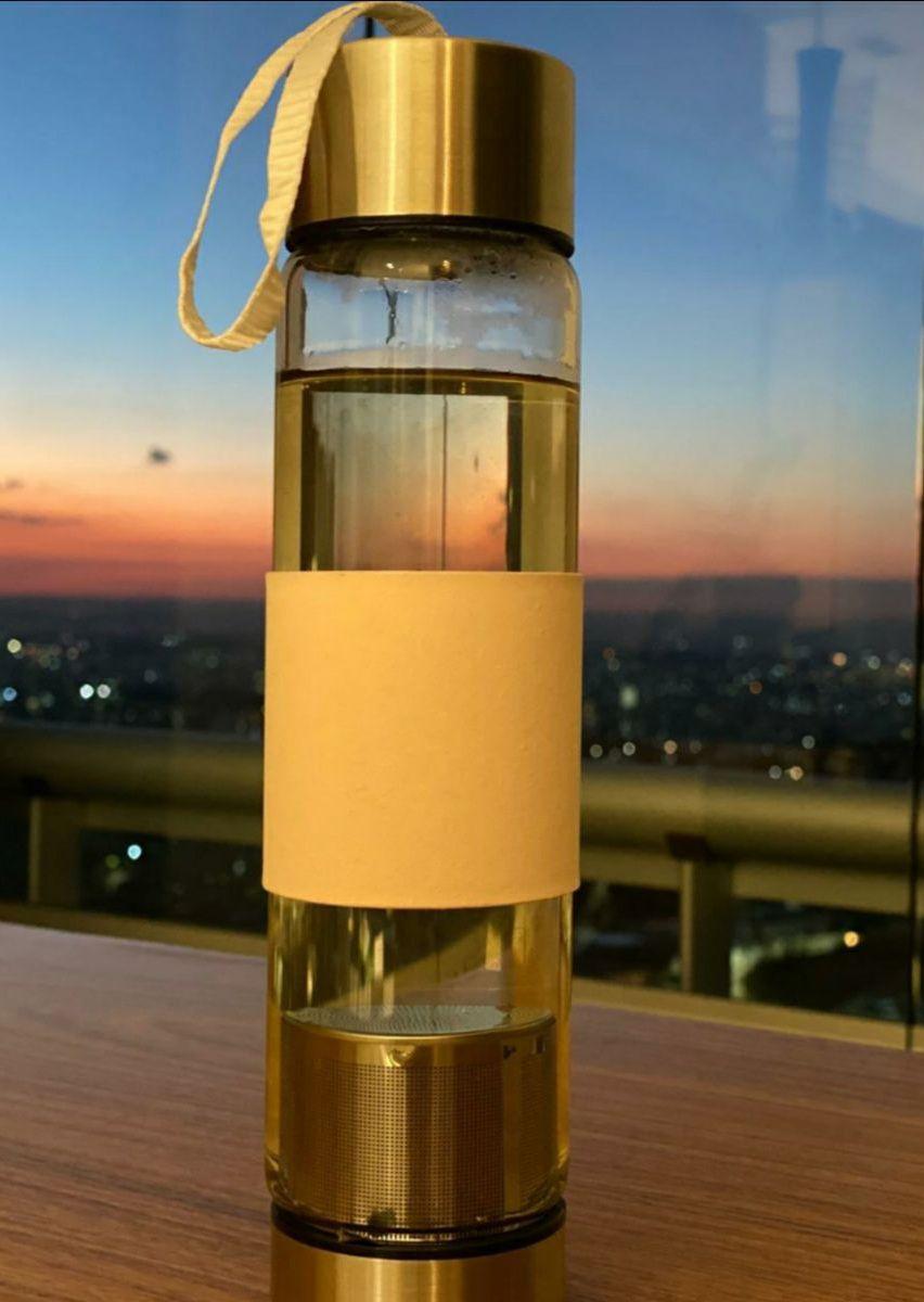 Garrafa esportiva em vidro com difusor de 450ml