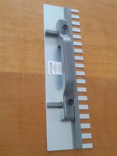 Desempenadeira Aço Dentada Regulagem 43x12cm Grande