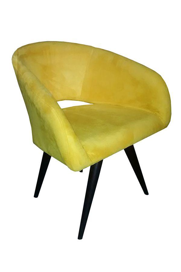 Poltrona Decorativa Gaia Tecido Amarelo Pés Palito cor Tabaco - Casa dos Móveis Ubá