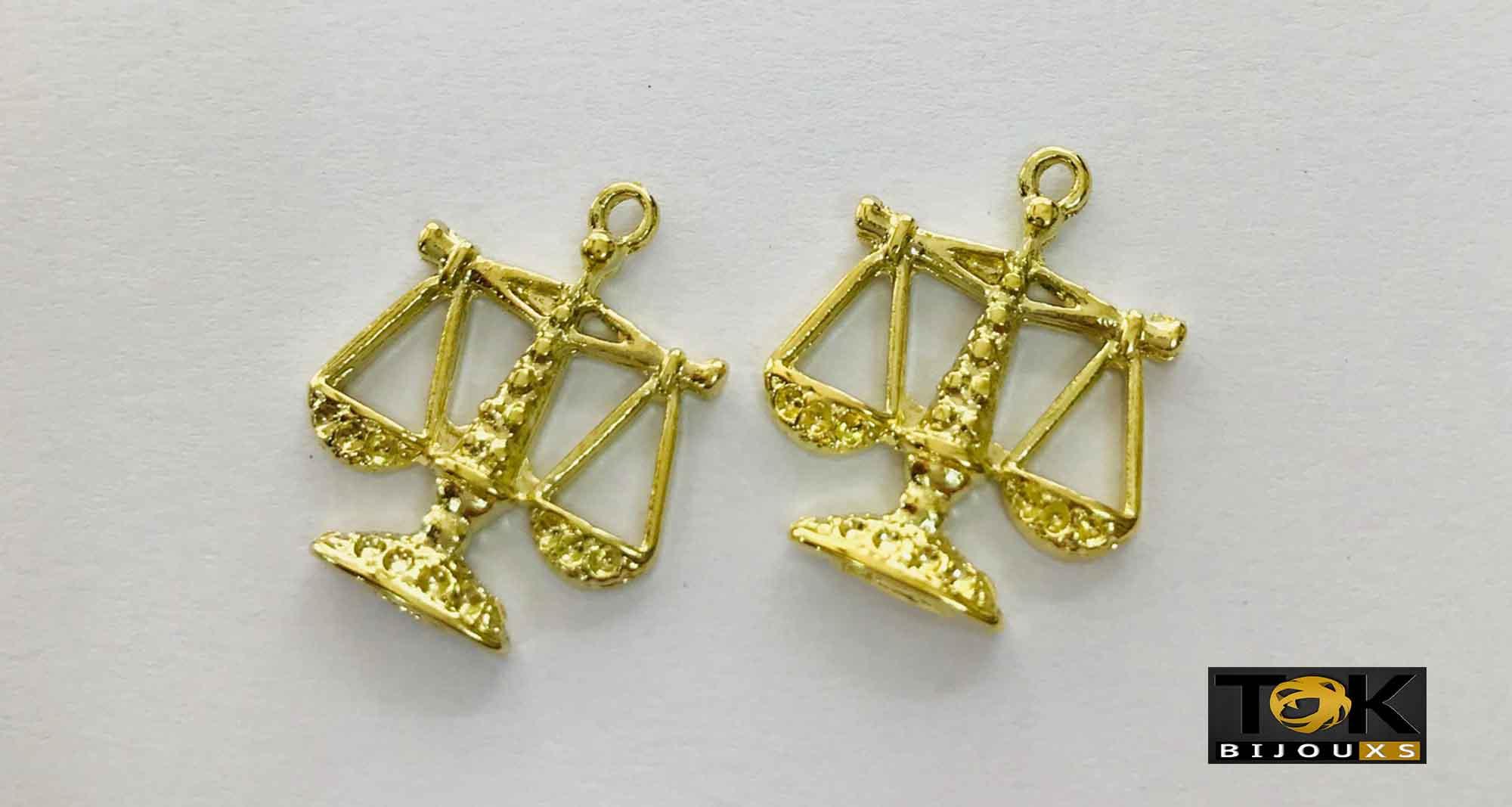 Pingente Profissão - Direito - Dourado - 1 Unid