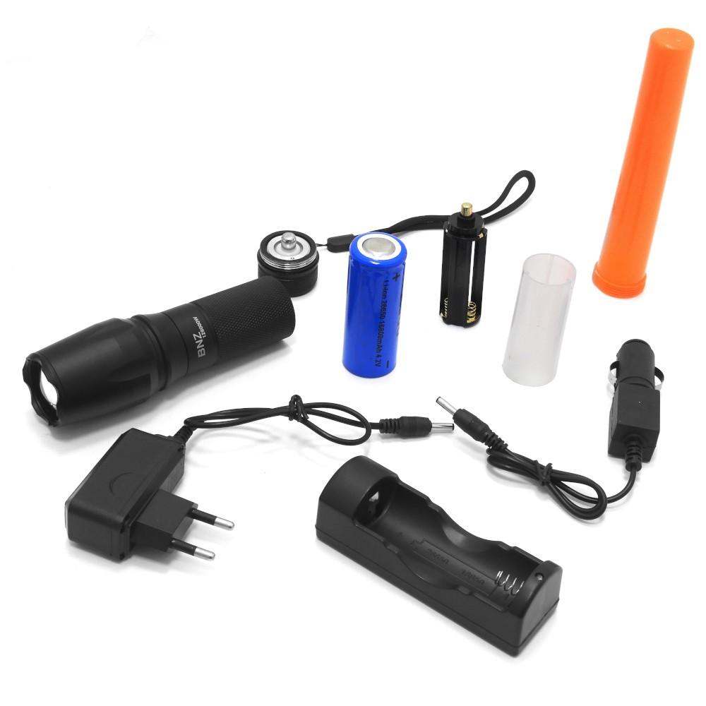 Lanterna Tática Militar X900 800 Lumes com Bateria 16.800mAh 4.2v
