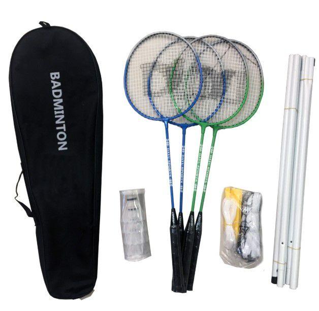 Kit Badminton com 4 Raquetes - 4 Petecas - Poste e Rede - Master  - REAL ESPORTE