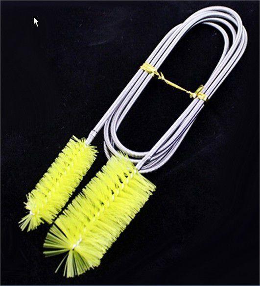 Escova c/ cabo aço inox p/ limpeza interna de mangueiras