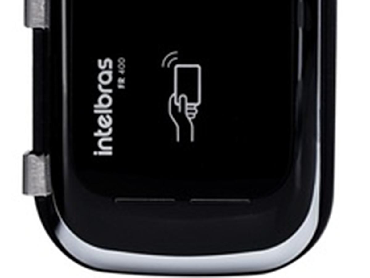 Fechadura Digital Intelbras Para Portas De Vidro 10mm Fr400 desenvolvida para levar mais segurança às portas de vidro em residências, apartamentos, escritórios e ambientes comerciais.