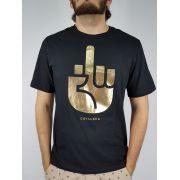 Camiseta  Cavalera Masculina Dedo Preta