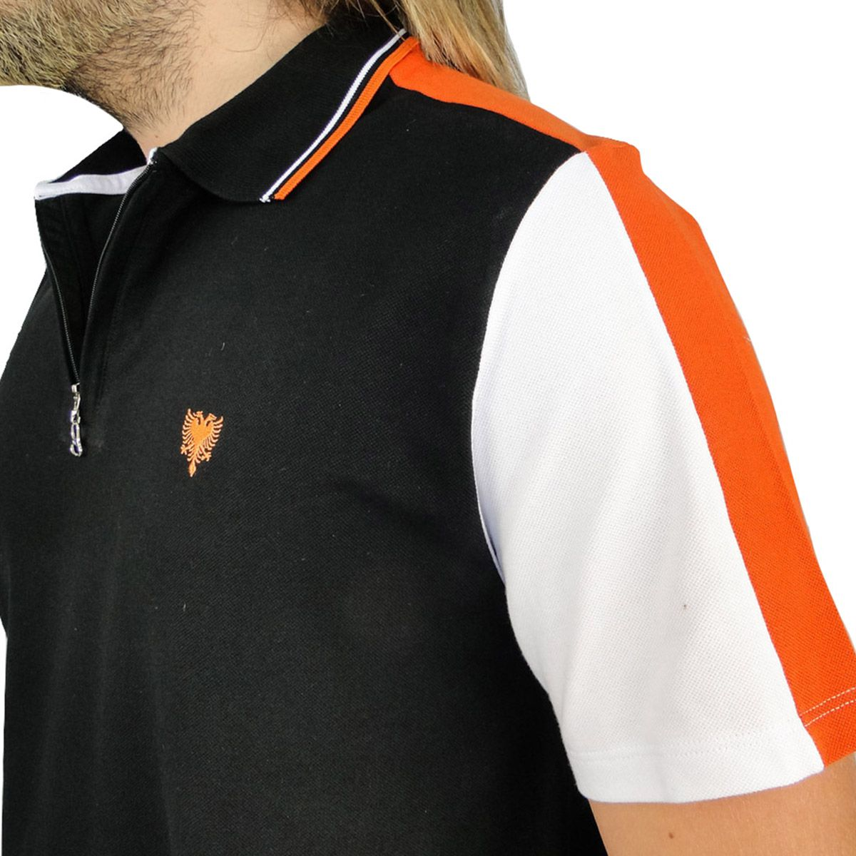 Camiseta Cavalera Masculina Gola Polo Preta e Laranja