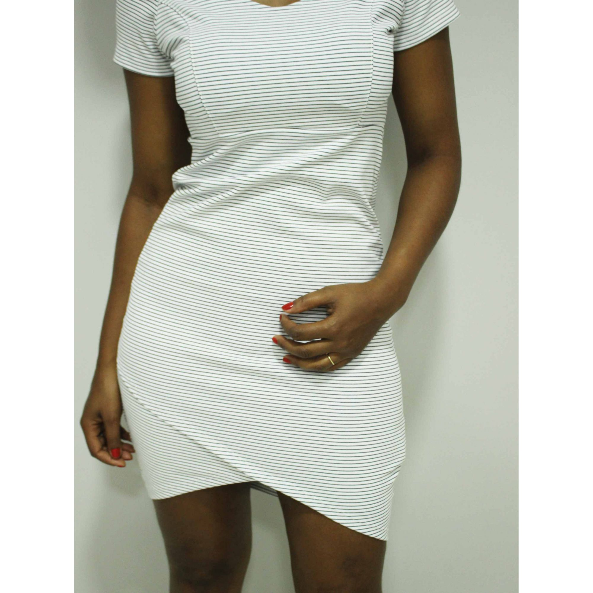 Vestido Tubinho Parado no Ar Listrado Branco  - Pick Tita