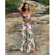 Conjunto saída de praia e biquíni aro meia taça calcinha bombom floral rosa e verde.