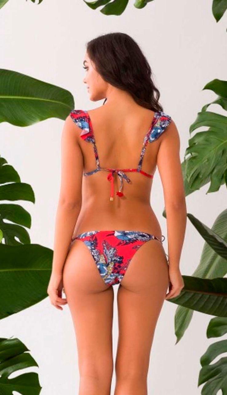 Biquíni com alças de babado  estampa floral com detalhe pingentes