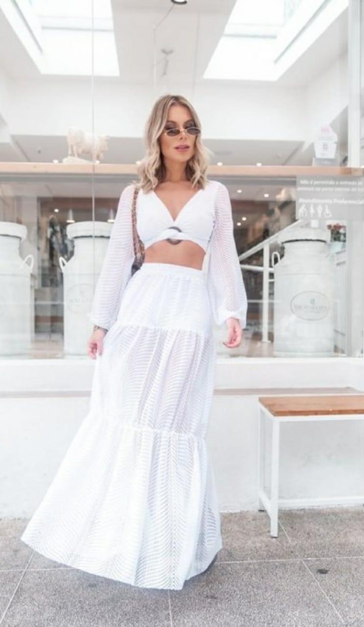 Conjunto branco saia longa e cropped tricot