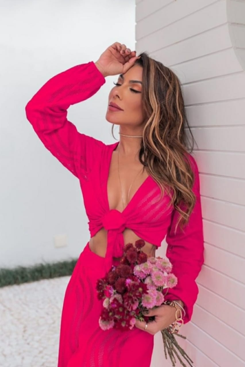 Conjunto resort pink macramê furadinho
