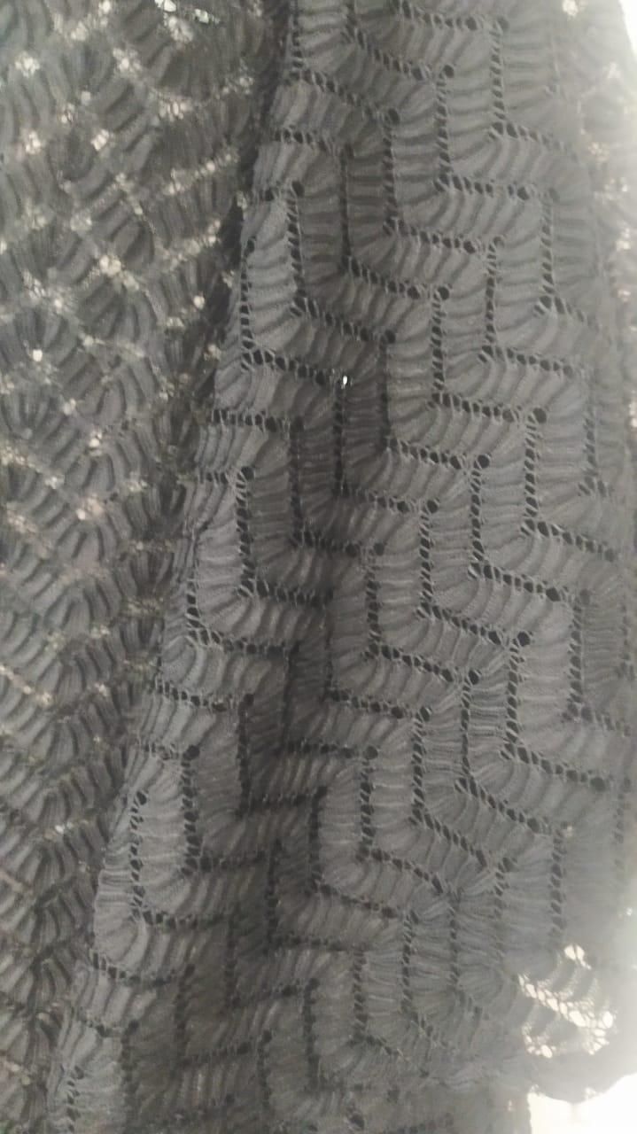 Kaftan rendado preto manga morcego fenda lateral