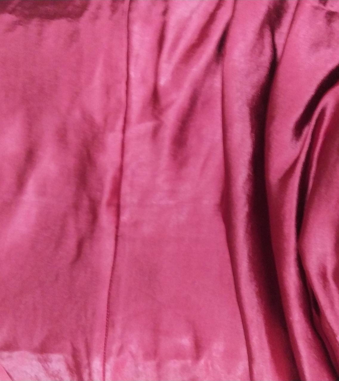 Macaquinho vestido cetim cor vinho