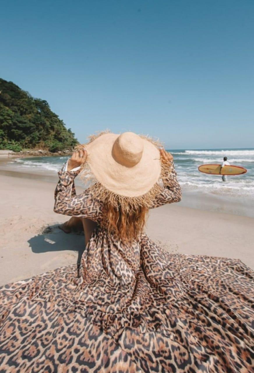 Saída de praia longa animal print onça