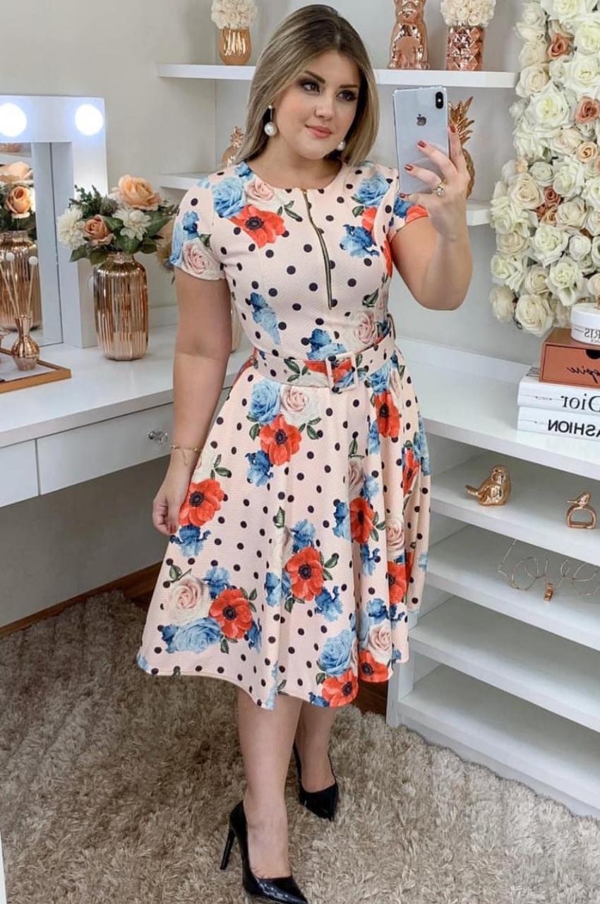 Vestido poá floral moda evangélica em tecido piquet acompanha cinto.