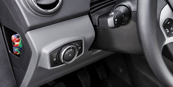 Kit Farol de Milha Neblina Ford Novo Ka 2014 a 2018 - Interruptor Modelo Original + Molduras