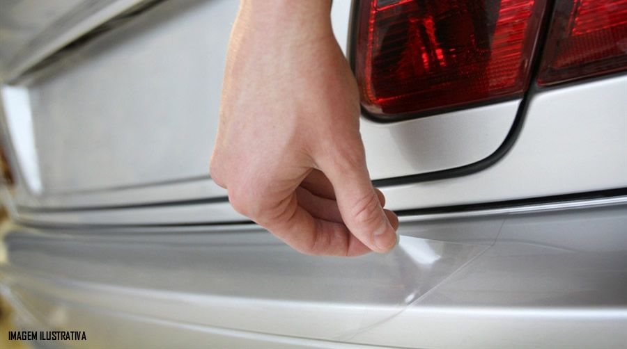 Protetor de Porta Malas Incolor Fiat Cronos Adesivo