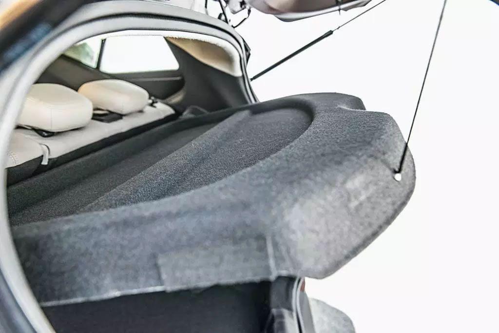 Tampão Porta Malas Nissan Kicks PCD