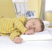 Travesseiro Infantil para Bebê Kiddo com Fronha - Anti-sufocante - 100% Algodão - Branco