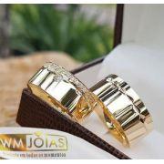 Aliança de casamento ouro amarelo 18k  Peso 12 gramas o par Largura 6mm- WM10092