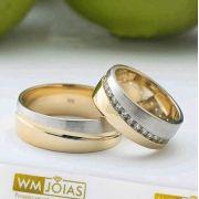 Aliança de casamento ouro amarelo e branco   Peso 15 gramas  Largura 7mm - WM10021
