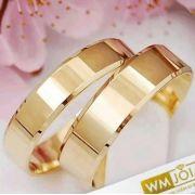 Aliança de casamento quina quebrada  em ouro   Peso 10 Largura 5mm - WM10028