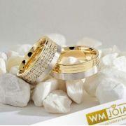 Aliança  ouro amarelo e branco 18k  Peso 25 gramas o par Largura 10mm- WM10047