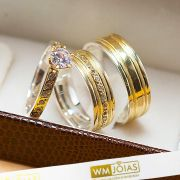 Alianças em ouro amarelo e prata + anel solitário modelo quadrado WM10214