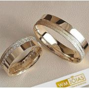 Alianças  noivado e casamento com pedras  Peso 10 gramas o par Largura mm- WM10086