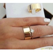 Par de  alianças mais anel de noivado em ouro -WM10023